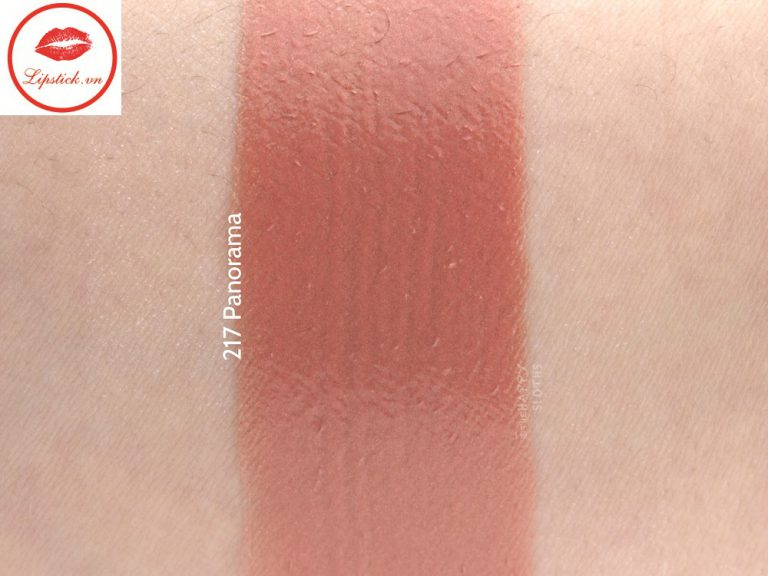 chanel-summer-2017-cruise-collection-rouge-coco-stylo-complete-care-lipshine-swatches-review-217-panorama-1
